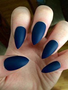 Matte nails stiletto nails navy blue fake nails by nailsbykate Navy Acrylic Nails, Acrylic Nails Almond Matte, Blue Stiletto Nails, Almond Gel Nails, Blue Matte Nails, Matte Nail Art, Almond Nails Designs, Nail Art Diy, Diy Nails