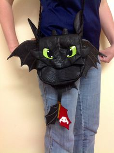 How to Train your Dragon Toothless Night Fury by ForensicFoxCrafts... LOVE this purse! So adorable!
