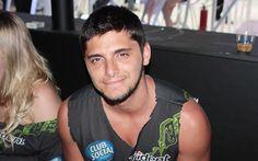 Bruno Gissoni acompanhou o irmão, Rodrigo Simas, na sexta-feira (13), primeiro dia de Rock in Rio 2013