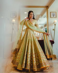 Fell in love with this dreamy outfit while playing dress-up at recently and I can't believe how so many of you replied to my… Indian Bridal Outfits, Indian Designer Outfits, Bridal Dress Indian, Pakistani Wedding Outfits, Pakistani Bridal Wear, Wedding Hijab, Lehnga Dress, Lehenga Choli, Bridal Lehenga