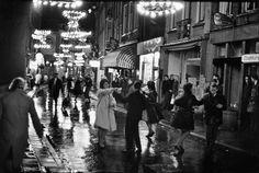Amsterdam - Nieuwmarkt kermis mei 1961 - Fotograaf Ed van der Elsken
