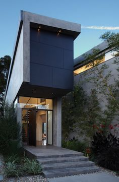 Serene House in LA With Priceless Views: Mandeville Canyon Residence- Griffin Enright Architects