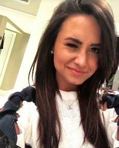 Demi Lovato 2017, Demi Lovato Pictures, Brazilian Girls, Celebrity Crush, Selena Gomez, Role Models, Beautiful Women, Hollywood, Celebs