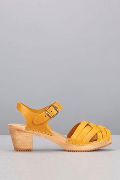 Sandales cuir moutarde semelle bois Stockholm AS02