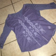 Vintage America Nine West Top Excellent condition, periwinkle top with thread detail on front Nine West Tops Blouses