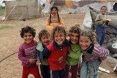 Los niños en la aldea Dael en el este de Siria.