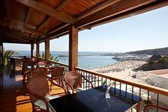 Um hotel em estado de graça, de frente para a baía de Sesimbra. No Hotel do Mar em quarto vista mar em regime de meia pensão + bebida de boas-vindas, 5 noites desde 768€, 7 noites desde 1044€ - Descontos Lifecooler