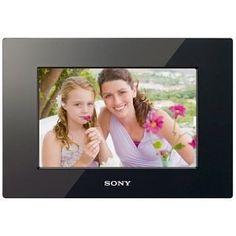 #10: Sony DPF-D710 7-Inch WVGA LCD (16:10) Digital Photo Frame (Black)