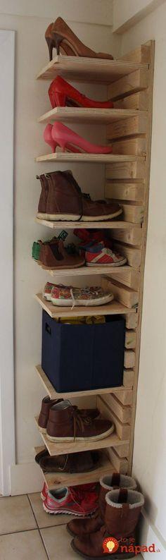 Hnevá vás neporiadok v topánkach a málo miesta na odkladanie? Pozrite, ako geniálne si poradili títo ľudia - stačí pár kúskov dreva, bežné náradie a v predsieni môžete mať toto!