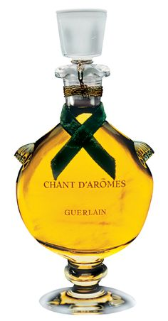 Chant d'Aromes by Guerlain, created by Jean-Paul Guerlian in 1962. Guerlain Chant d'Aromes was created by Jean-Paul Guerlain in 1962. It belongs to the 'chypre' olfactory group. Notes include aldehydes, gardenia, mirabelle, jasmine, cloves, honeysuckle, ylang-ylang, heliotrope, benzoin, oliban and vetiver.