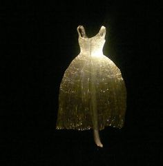 "El artista surcoreano Tae Gon Kim trajo a México su esposición lumínica ""Vestidos"" como parte del FILUX entérense de todo en el blog http://www.corea.moda/2016/11/iluminaron-las-noches-vestidos-de-tae-gon-kim.html <3 #feliziniciodesemana #modacoreana #unnie #oppa #chingu #korealover #doramatica #kpoper #hallyu #culturacoreana #felizlunes #kimtaegon #taegonkim #vestidos #filux #filuxmexico"