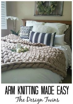 Arm Knitting Made Easy - How I arm knit this blanket with zero knitting experien. Arm Knitting Made Easy - How I arm knit this blanket with zero knitting experience, where to buy the best yarn, and all . Rustic Master Bedroom, Bedroom Decor, Bedroom Ideas, Cozy Bedroom, Easy Home Decor, Cheap Home Decor, Big Yarn Blanket, Wool Blanket, Giant Knit Blanket