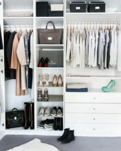 Collection of closet designs to organize your master bedroom, bring comfort and luxury into your home organization. Walk in closet design ideas Modern bedroom design with walk-in closet and sliding doors Custom-built walk-in closets are luxurious Organizing Walk In Closet, Wardrobe Organisation, Ikea Closet, Closet Bedroom, Master Closet, Closet Space, Closet Storage, Bedroom Storage, Toy Storage