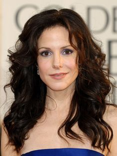 Today, I am sad. Mary Louise Parker told an interviewer that she may quit acting. So, no more of my favorite actress on screen. Mary Louise Parker, Beautiful Celebrities, Beautiful Actresses, Beautiful Women, Amazing Women, Cool Winter, Deep Winter, Brunette Girl, Brunette Beauty