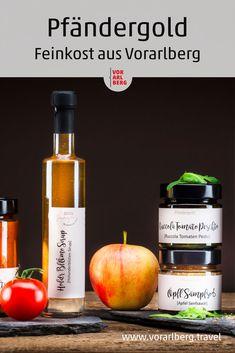 Seit über 20 Jahren entstehen bei Familie Kepp in Lochau am Bodensee Köstlichkeiten mit Zutaten aus Garten, Wäldern und Wiesen. Mit den Jahren wuchs die Qualität weshalb es mittlerweile unter dem Label Pfändergold weit mehr als Einkochtes zu kaufen gibt: Pesto, Chutney, Salz, Sirup, Fruchtaufstrich, Senfsauce oder pikant Eingelegtes. Chutney, Whiskey Bottle, Wine, Syrup, Salt, Food And Drinks, Chutneys
