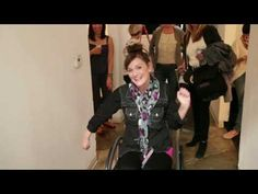 ▶ Meet Our Heroines: Behind the Scenes at the Fall 2013 Photo Shoot - YouTube http://jamiefox.cabionline.com