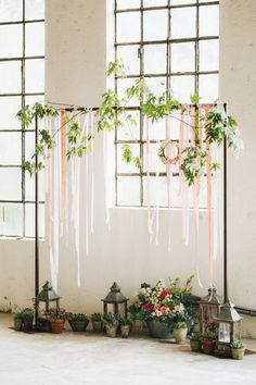 Arch with Ribbon & Floral Decor | Pastel Wedding at Tommy Vitello, Italy | Planning & Styling by Agnese Sogna Sempre | Matrimoni all'Italiana Photography | Amu Wedding Videos