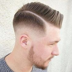 There are many fashionable ways to wear a comb over fade haircut. Because a comb over is a versatile, trendy hairstyle, it is perfect for all hair types. Hard Part Haircut, Side Part Haircut, Side Part Hairstyles, Classic Hairstyles, Men's Hairstyles, Medium Hairstyles, Comb Over Fade Haircut, Low Fade Haircut, Tapered Haircut