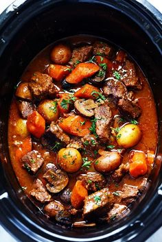 Slow Cooker Beef Bourguignon Stew Slow - Boeuf bourguignon is so much more than just another beef stew. serving: 8 Ingredients 1 pounds lean beef chuck, cut into bite size cubes 1 pound russet (Idaho) potatoes, peeled and chopped into large cubes 2 … Crock Pot Slow Cooker, Slow Cooker Recipes, Cooking Recipes, Cubed Beef Recipes, Crockpot Meals, Chef Recipes, Soup Recipes, Chicken Recipes, Recipies
