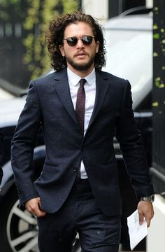 Do These New Kit Harington Pics Prove Jon Snow Is Still Alive? Come on guys. He's fine.