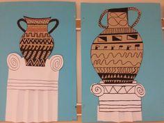 Kreikkalaisia ruukkkuja ja antiikin pylväitä