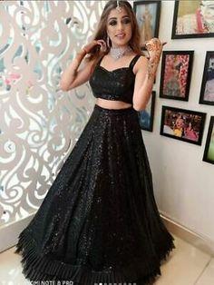 Party Wear Indian Dresses, Party Wear Lehenga, Indian Bridal Outfits, Indian Fashion Dresses, Pakistani Dresses, Bridal Lehenga, Fashion Outfits, Lehnga Dress, Lehenga Choli