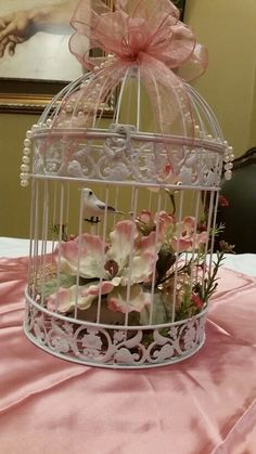 Bird cage centerpiece shabby chic birdcage wedding 26 ideas, The bird cage is both a house for your chickens and an ornamental tool. You can choose whatever you want one of the bird cage versions and get a whole lot more specific images. Birdcage Planter, Birdcage Decor, Birdcage Wedding, Shabby Chic Crafts, Shabby Chic Decor, Manualidades Shabby Chic, Wedding Gift Card Box, Bird Cage Centerpiece, Bird Cages
