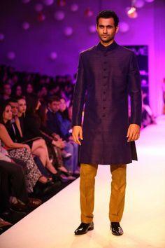 LOVE this color combo - esp for sangeet wear ll Lakme Winter 2013 Manish Malhotra purple sherwani with mustard yellow salwar Indian Wedding Outfits, Indian Outfits, Indian Clothes, Wedding Groom, Wedding Suits, Wedding Attire, Indian Men Fashion, Mens Fashion, Mens Ethnic Wear