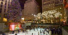 Em dezembro a cidade de Nova York se enfeita para a chegada do Natal. Destaque para a famosa árvore de Natal do Rockefeller Center e sua pista de patinação no gelo.  Fotografia: Getty Images.