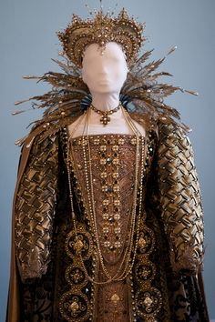 "Gowns Pagan Wicca Witch: Tudor #gown (from ""Shakespeare in Love"")."