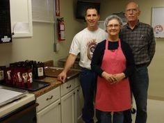 Belle Toffee company still uses recipe - Lee's Summit Tribune - Lee's Summit News 1930s Recipe, Lees Summit, Toffee, 1920s, Events, News, Recipes, Sticky Toffee, Candy