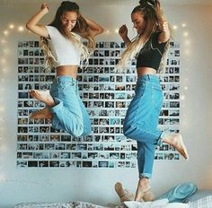 Not only an awesome picture idea, an awesome room wall idea (Best Friend Tumblr)