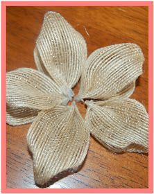 That's So Cuegly: Craft Concoction Friday! {Burlap-ish} That's So Cuegly: Craft Concoction Friday! Burlap Ribbon Crafts, Burlap Crafts, Burlap Flowers, Diy Flowers, Fabric Flowers, Paper Flowers, Material Flowers, Burlap Projects, Wreath Burlap