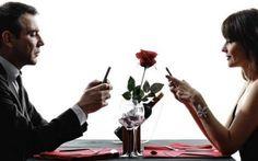 L'utilizzo dei social dating online Iniziamo dalla famosa chat di C6, per passare a Badoo, che è una vetrina con voti e classifica, che metteva in prima posizione le ragazze più sensuali, per arrivare a Facebook; sono i social dating p #incontrionline