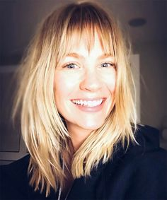 January Jones just gave you another reason to get a shag haircut. Click here to see her new trendy hairstyle, which happens to be one of the most popular cuts of 2017.