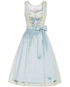 LODENFREY | Silk & Pearls Dirndl kurz mit Schürze 1.059,00 € www.lodenfrey.com