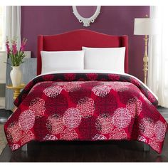 Chic Home 5-piece Juliana Boho Inspired Reversible Print Quilt and 4-piece White Sheet Set