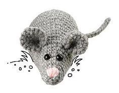 Tiere häkeln: DIY-Anleitung Peluches de ganchillo The post Animales de ganchillo: tutorial de bricolaje appeared first on Crystal Wilson. Crochet Mouse, Crochet Amigurumi, Diy Crochet, How To Start Knitting, Knitting For Beginners, Animal Knitting Patterns, Crochet Patterns, Free Knitting, Baby Knitting