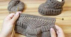 Completed by © Katerina Mushyn This knitting pattern / tutorial is available for free. Baby Hat Knitting Patterns Free, Baby Booties Free Pattern, Baby Sweater Patterns, Crochet Baby Booties, Baby Patterns, Baby Knitting, Crochet Patterns, Crochet Hat For Beginners, Baby Warmer