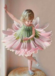 Beautiful Fairy Costumes for Girls Cute Kids, Cute Babies, Fairy Dress, Halloween Disfraces, Flower Dresses, Beautiful Children, Belle Photo, Kids And Parenting, Pink And Green