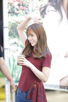 Seungyeon Kara, Han Seung Yeon, Anime Cosplay, Korean Actors, The Twenties, Girl Group, Actors & Actresses, Kdrama, Short Sleeve Dresses