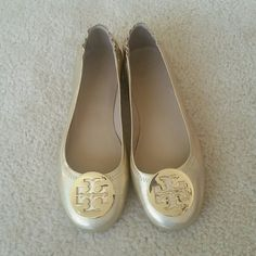 Tory Burch Reva Never worn Tory Burch Shoes Flats & Loafers
