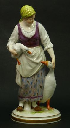 ANTIQUE MEISSEN FIGURINE LADY WITH GEESE