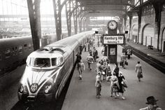 Night train from Zurich at Hamburg Central Station (around 1955)