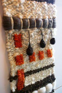 Weaving Textiles, Weaving Art, Tapestry Weaving, Loom Weaving, Hand Weaving, Weaving Wall Hanging, Thread Art, Weaving Projects, Weaving Techniques