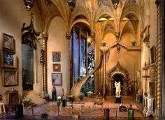 Fairy Castle Great Hall - built in the 1930s at a staggering cost of almost $ 7 million (adjusted to today's dollar) by silent film star Colleen Moore...
