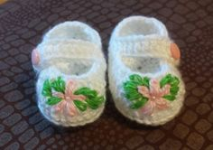 Crochet baby girl booties infant girl booties by childrenshat, $10.00