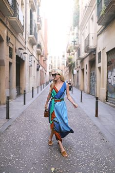 Fashion after 30's : The Scarf Dress - From Street To (Everywhere!)
