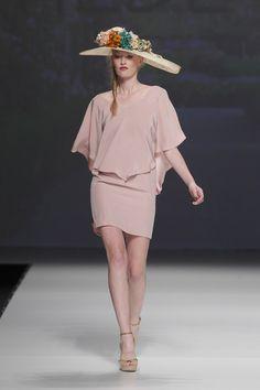 Vestidos de fiesta de Matilde Cano 2015 #invitadas #bida #novias Fashion 2017, Fashion Show, Womens Fashion, Fashion Trends, Dress Vestidos, Prom Dresses, Fasion, Peplum Dress, Wedding Planning