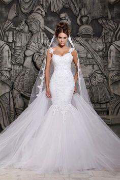 a5379936fd Beauty Tulle Mermaid Lace Wedding Dress with Wedding Veil